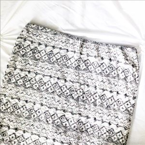 Tribal Print Skirt in Gray and White